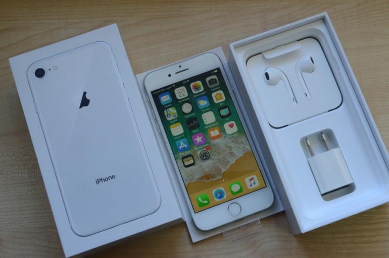 """Apple iPhone 8"""