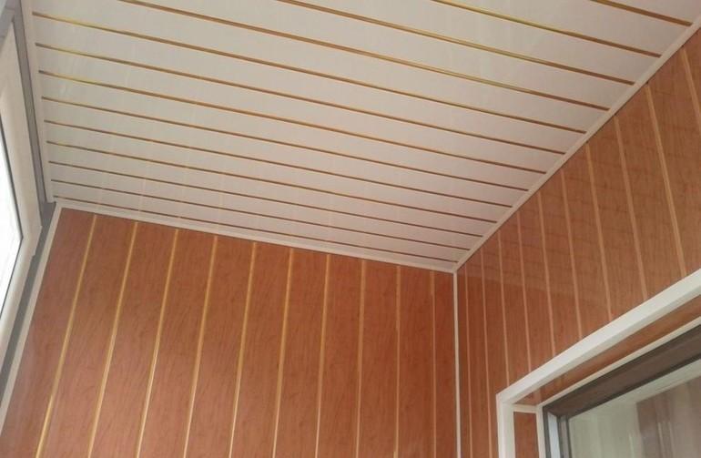 Balkonų lubų apdaila