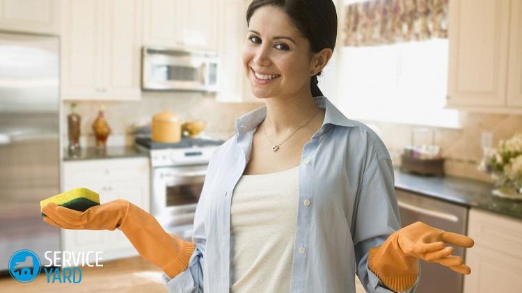limpiar-la-casa-mujer-con-guantes2